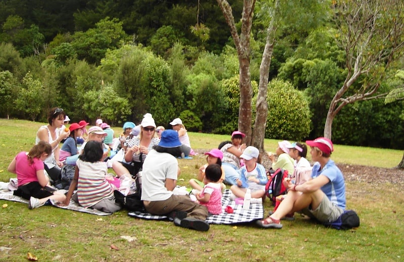 adult and children picnic