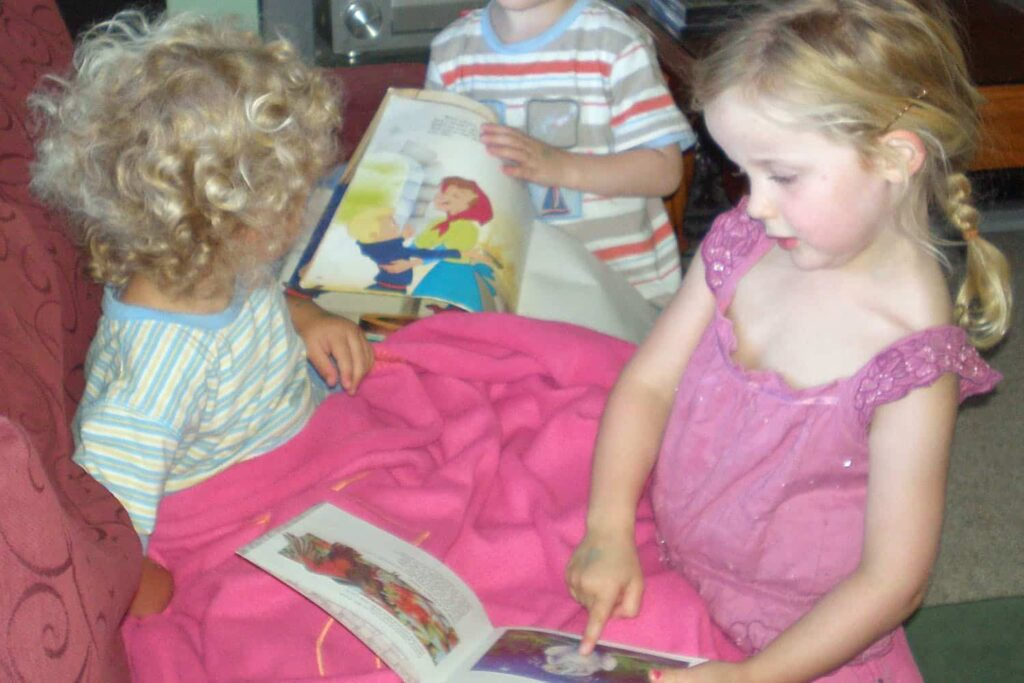 books children reading to each other