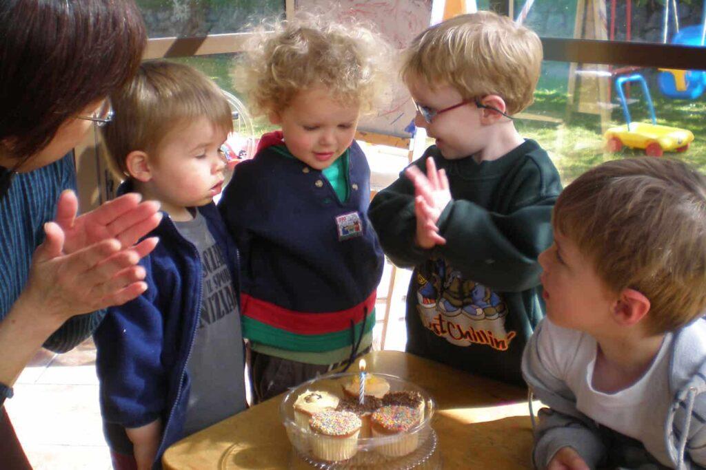 cake birthday celebration homebased
