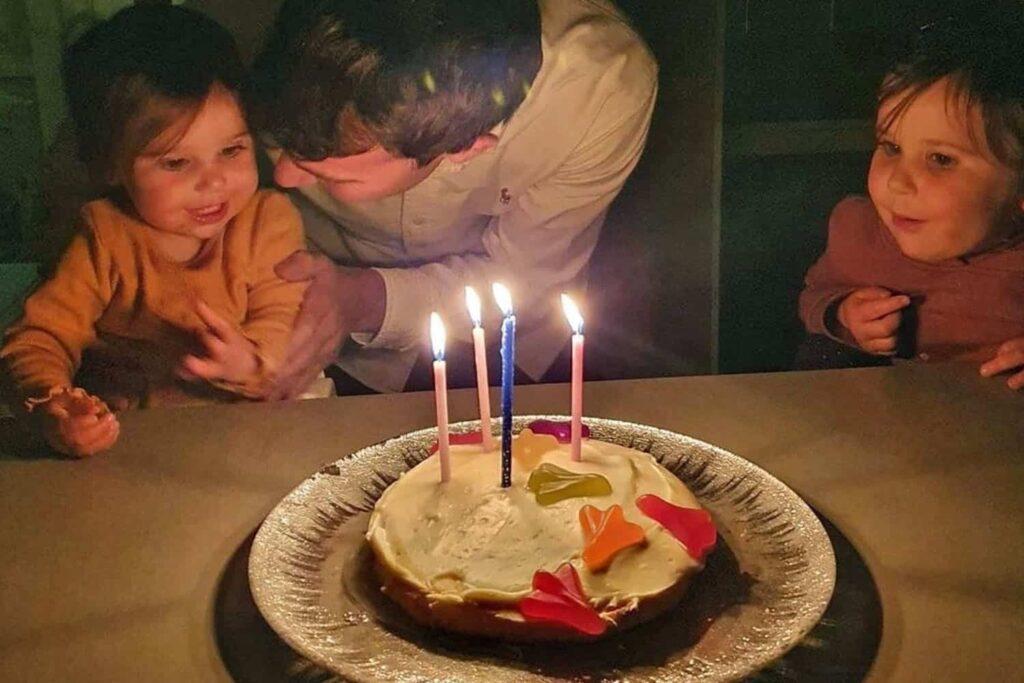 child's birthday at home