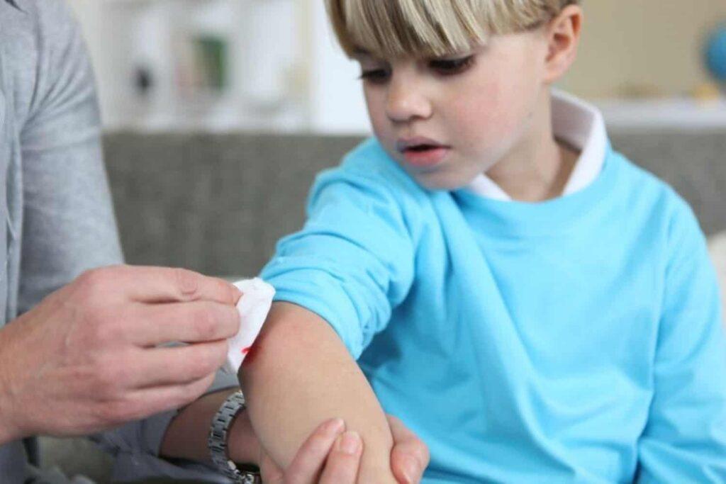 injuried child