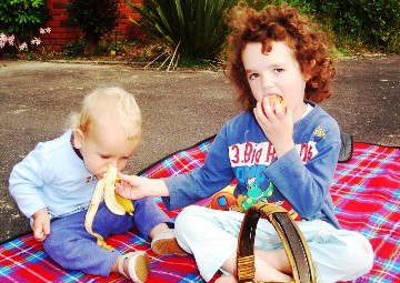 children can pack their own healthy picnic treats